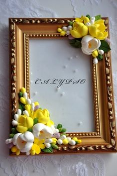 Discover thousands of images about Picture Frame Flower Picture Frames, Picture Frame Crafts, Flower Frame, Polymer Clay Projects, Polymer Clay Art, Diy Clay, Clay Flowers, Paper Flowers, Quilling Photo Frames