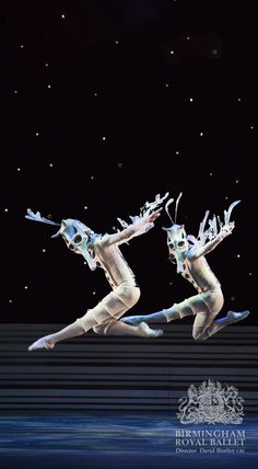 Birmingham Royal Ballet - The Prince of the Pagodas; Artists of Birmingham Royal Ballet as Seahorses; photo: Bill Cooper