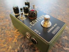 Spacemen Effects Sputnik Fuzz 30/33 in Olive Drab #spacemen #spacemeneffects #sputnik #limitededition #marcokrasinski #rigrundown #fuzz #boutique #olivedrab #olive #drab #military #army #green