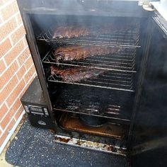 ribs in the smoker