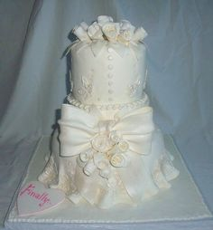 White Wedding Cake  ~ so pretty!