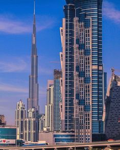 🏆 Control your account, control your data, get paid for your presence and those you invite. + more info? Discover Webtalk by clicking Modern Residential Architecture, Office Building Architecture, Facade Architecture, Dubai Travel, Villa, Dubai Uae, Modern Buildings, United Arab Emirates, Architect Design