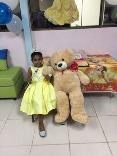Rutzenia es una tierna niña de 8 años, paciente de Anemia de Fanconi del Hospital Materno Infantil José Domingo de Obaldía en Chiriquí. Su deseo era tener una fiesta de Princesa.
