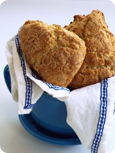evil chef mom: toasted almond scones