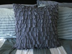 Create / Enjoy: A durable, quality ruffle pillow--tutorial!