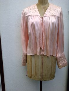 Vintage 1930's silk bed jacket with embroidery.