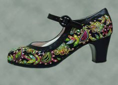Black shoe with silk embroidery with multi-coloured flora pattern. With instep and forward heel.Made from top quality cow leatherWith strap and buckle at instep.As well as being attractive the instep strap guarantees maximum hold with a dou Flora Pattern, Tango Shoes, Painted Shoes, Spanish Style, Fashion Art, Black Shoes, Dancing, Peep Toe, Porn