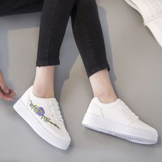 2017 Spring New Hot Sale White Shoes Woman Tenis Feminino Flat Platform  Solid China Embroidery Casual Women Ladies Girl Shoes free shipping  worldwide a4c63235432f