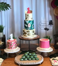A special safari themed first birthday cake and dessert table. The cakes are all buttercream with fondant accents. The dessert table contained coordinating macarons, cookie, cake pops and chocolate covered Oreos Sugar Sheets, Safari Cakes, Chocolate Covered Oreos, First Birthday Cakes, Dessert Table, Cake Pops, First Birthdays, Fondant, Cake Decorating
