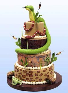 The perfect reptile cake! Cupcakes, Cupcake Cakes, Beautiful Cakes, Amazing Cakes, Lizard Cake, Snake Cakes, Foundant, Safari Cakes, Cake Show