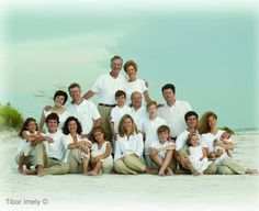 Large+Family+Photography+Poses | Photo Ideas / Large group Poses - Large Family Poses - Very Helpful!