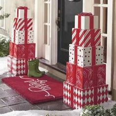 Welcome the festive season of Christmas with beautiful Christmas Outdoor Decor Ideas. From gleaming Christmas lights to outdoor Christmas trees & more. Christmas Lights, Christmas Holidays, Simple Christmas, Christmas Trees, Amazon Christmas, Christmas Movies, White Christmas, Christmas Quotes, Christmas Music