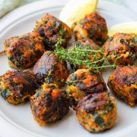 Spinach & Sweet Potato Bombs from Eat Drink Paleo Potato Bombs Recipe, Sweet Potato Balls Recipe, Paleo Sweet Potato, Sweet Potato Recipes, Paleo Recipes, Real Food Recipes, Cooking Recipes, Spinach Recipes, Spinach Balls