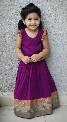 Baby Girl Dress Design, Girls Frock Design, Kids Frocks Design, Baby Frocks Designs, Girls Dresses Sewing, Dresses Kids Girl, Kids Outfits, Kids Dress Wear, Kids Wear