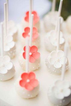 Coral Dessert Table    Anoushka Rokebrand    Sugarlips Cakes