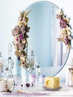Декор из фетра для зеркала