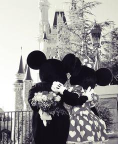 love Minnie and mickey