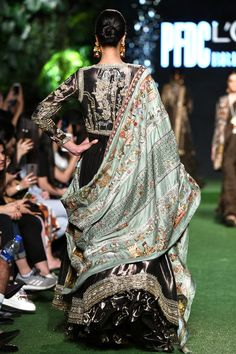 Charcoal Tissue Peshwas With Grey Tissue Textured Skirt And Silk Jamwara Chaadar Mint. Bridal Lehenga Choli, Pakistani Bridal Dresses, Indian Dresses, Indian Outfits, Indian Attire, Indian Wear, Indian Designer Outfits, Designer Dresses, Nida Azwer