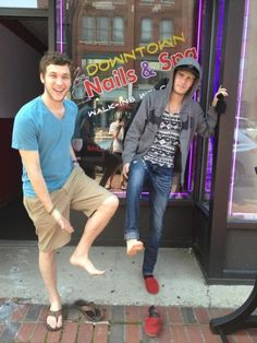 Phillip Phillips and Colton Dixon after a foot massage.