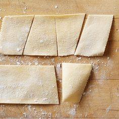 Instant Expert: How To Make Fresh Pasta Clam Pasta, Tortellini Pasta, Pasta Recipes, Cooking Recipes, Ravioli Filling, Pasta Types, Butternut Squash Ravioli, Whole Wheat Pasta, Spinach Pasta