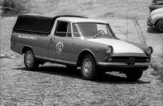 -Pick-up FNM 2150 1972. Achou estranho? Mas existiu!  Nunca foi produzida em série pela Fábrica Nacional de Motores, mas a FNM chegou a enco...
