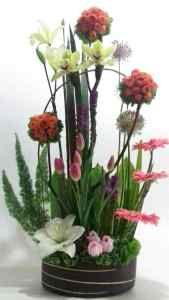 b1180400b7 Excelente diseño floral con 5 tulipanes