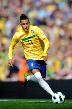 Neymar, ex-Santos, Brazil. Good Soccer Players, Best Football Players, World Football, Soccer World, Play Soccer, Soccer Drills, Football Soccer, Neymar Jr, Messi Y Ronaldinho