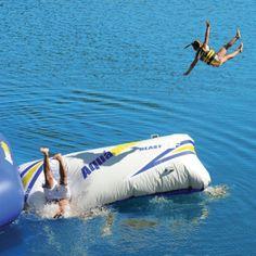 Aquaglide Platinum Blast II Air Bag - I can see myself jumping on this. ; )