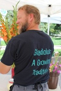 This week's Slow Flowers Challenge comes to you from the flower farms of Colorado! I spent several days last week as a guest of Chet and Kristy Anderson, owners of The Fresh Herb Co. Herb Co, Beautiful Farm, Gladiolus, Flower Farm, Floral Design, Challenges, Flowers, Mens Tops, Floral Patterns