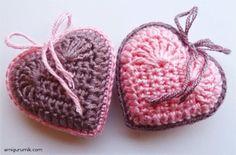 Hobby lavori femminili - ricamo - uncinetto - maglia: cuore amigurumi