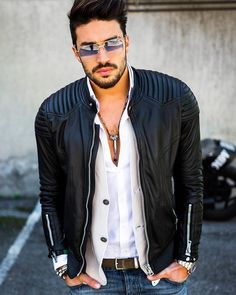 Men's Jackets For Every Occasion. Photo by Menswear Market Jackets are a must-have in the cold weather but it can also be used to accessorize an outfit. Leather Fashion, Leather Men, Mens Fashion, Fashion Outfits, Popular Fashion Blogs, Mdv Style, Best Beard Styles, Leather Jacket Outfits, Leather Jackets