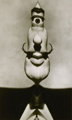 Dalí Cyclop by Philippe Halsman, 1953/54. S)