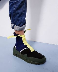#makersmonday: the Nike Air Max outsole with iconic mudguard, a two tone sock with pop up zipper. Check my instagram story for a more detailed look. - - - #nike #theperfectpair #thedropdate #igkicks #instashoe #brooklynfarm #instakicks #snkrhds #design #footwear #hypebeasts #igsneakercommunity #kotd #kicks #kicks0l0gy #crepecity #complexkicks #conceptkicks #ckinspiration #footweardesign #solequest #sneakerfreakerfam #footweardesigner #sneaker  #eloisthebestbandintheworld