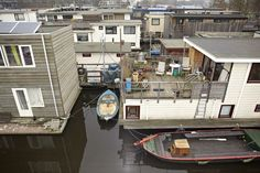 There is a multitude of kinds of liveaboards, and various types of boats employed for living aboard. Buying a houseboat might even be something which you're seriously considering Boating License, Utility Boat, Sailing Charters, Houseboat Living, Living In Amsterdam, Cabin Cruiser, Floating House, Tiny House Movement, Small Boats