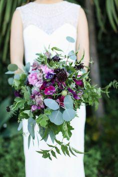 Purple bridal bouquet | Image by Max & Friends