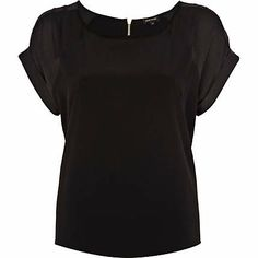 "Black raglan sleeve t-shirt - t-shirts - tops - women Perfect with my ""drive in"" skirt from Topshop, a perfect piece for anyone, with anything, super flattering even on an hourglass figure Hourglass Figure, August 2013, Topshop, Skirts, Sleeves, How To Make, T Shirt, Clothes, Black"