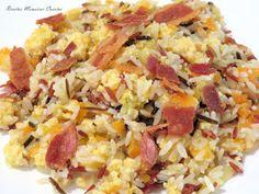 INGREDIENTES:  Para el crujiente de bacón: 250 gr. de bacón en lonchas Papel absorbente Para el sofrito: 100 gr. de cebolla troceada 100 g...