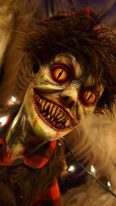 This little Santa's Elf from Midnight Studios FX will truly inspire fear. Kyle Gore has brought the goods at this year's St. Louis Transworld Halloween and Haunt Convention 2014.
