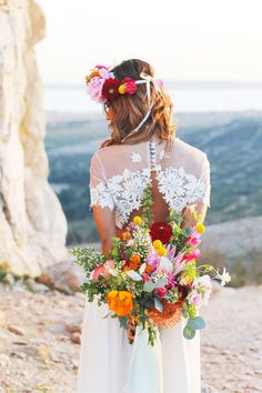 Shooting Inspiration mariage - Thème Folk / Mexicain - Weddings: Dresses, Engagement Rings, and Ideas Spring Wedding Flowers, Rustic Wedding Flowers, Boho Wedding, Floral Wedding, Wedding Colors, Wedding Styles, Wildflowers Wedding, Wedding White, Wedding Themes