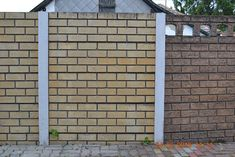 Kerítés magasság: 0,4-2,4m Oszlopok tengelytávolsága: 1,6m Oszlopméret: 274x14x14cm, súlya : 110kg /sarki és kezdő is/ Betétméret: 150x5x40cm súlya: 60kg Garage Doors, Outdoor Structures, Outdoor Decor, Carriage Doors