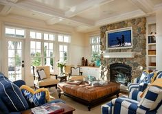 Seaside Escape - traditional - living room - san diego - Hill Construction Company