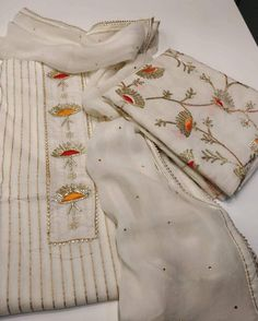 Hand Embroidery Dress, Kurti Embroidery Design, Embroidery Suits, Embroidery Fashion, Indian Designer Suits, Designer Wear, Designer Dresses, Bridal Lehenga Collection, Cotton Salwar Kameez