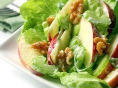 Ricetta insalata invernale, con mele uvetta e noci