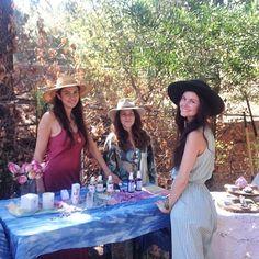 some of the lovely ladies of the canyon @localrose @zenbunni @houseofthestandingmoon  #mercadosagrado #thelocalrose #houseofthestandingmoon #topangacanyon #zenbunni