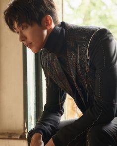 Nam Joo Hyuk for Esquire Singapore Asian Actors, Korean Actors, Joon Hyung, Nam Joohyuk, Weightlifting Fairy Kim Bok Joo, Kdrama Actors, Asian Men, Asian Guys, Actor Model