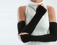 Lange schwarze Armwärmer Unisex Fingerlose Handschuhe von ZOLNAR