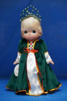 Rapunzel Christmas Dream Disney Precious Moments Doll Signed 5804 #PreciousMoments