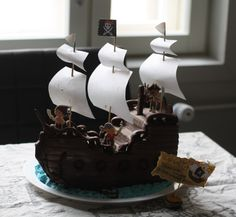 Mikaelin 4-v. merirosvosynttärit/vappujuhla Peter Pan Party, Birthday Parties, Cake, Desserts, Food, Anniversary Parties, Pastel, Deserts, Kuchen