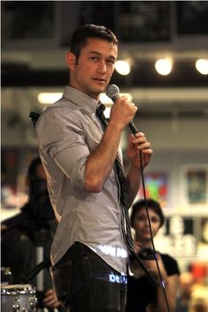 """Joseph Gordon-Levitt performs at Amoeba Music in Hollywood...the gal who took this said he has """"really really nice skin""""."""