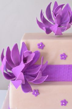 How to Make an Agave Flower Yolanda Cakes, Fondant, Cake Videos, Cake Pictures, Faux Flowers, Delicious Desserts, Cake Decorating, Cupcake, How To Make
